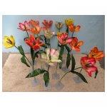grote tulpen <p>€ 2,50 p/s VERHUUR</p> <p>17 bloemen / 105 x 25 cm (lxb) / zijde</p>