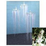 <p>Witte hangende decoratie van stof</p> <p>€ 15,00 p/s VERHUUR</p> <p>21 stuks / 240 x 45 cm (lxb) / stof</p> <p>ook verkrijgbaar met kleur accent</p>