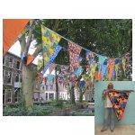 <p>Grote oversized vlaggen van canvas stof</p> <p>€ 30,00 per streng VERHUUR</p> <p>285m op voorraad / 10m per streng / 100 x 80 cm per vlag</p>
