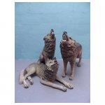 wolven <p>€ 25,00 p/s VERHUUR</p> <p>3 dieren / 100 x 90 cm (lxb) / polyester</p>