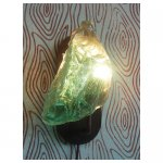 glasbrok wandlamp <p>€ 175,00 p/s VERKOOP</p> <p>10 stuks / 25 x 20 cm (lxb) / glasbrok + metaal</p>