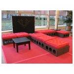 loungebank <p>€ 20,00 p/s (klein) - € 30,00 (groot) VERHUUR</p> <p>6 stuks groot - 4 stuks klein (incl. kussens) <br />80 x 80 x 32 cm (klein) - 160 x 80 x 32 cm (groot)</p>