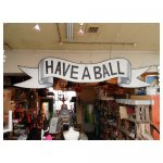 have a ball <p>€ 40,00 VERHUUR</p> <p>1 stuk / 380 x 80 cm (lxb) / hout</p>
