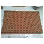 tapijt groot 11 <p>€ 25,00 VERHUUR</p> <p>19 stuks / 300 x 200 cm (lxb) / wol tapijt <br />(andere kant tapijt is andere kleur)</p>